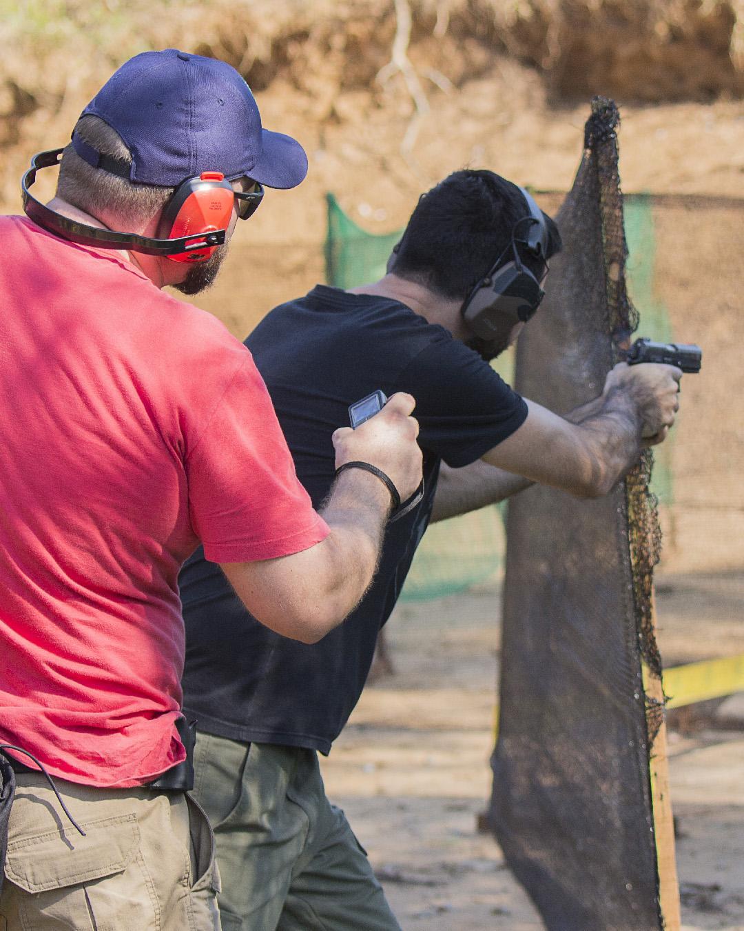 Cursos e instrução para o uso de arma de fogo